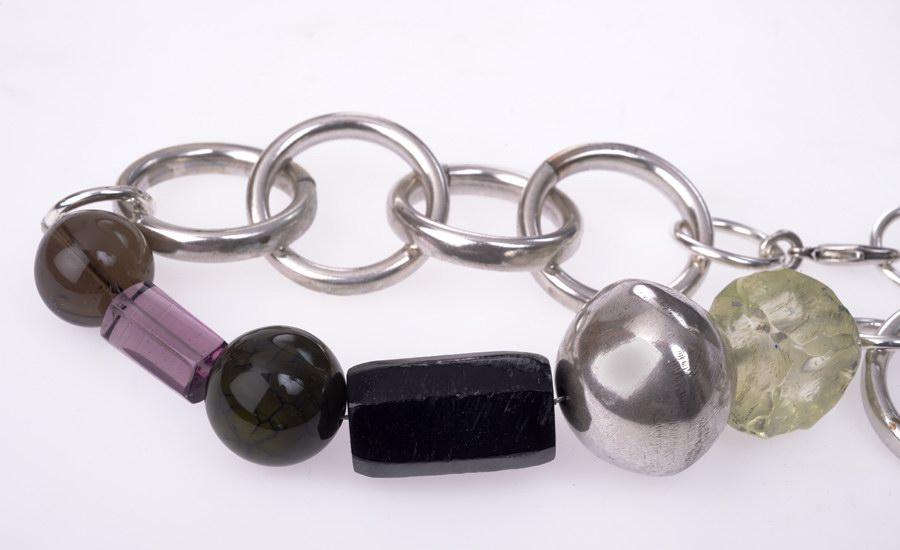 Collier gros anneaux detail