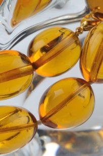 Collier jaune tournesol detail