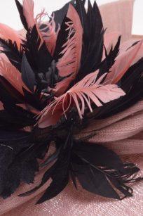 Chapeau plume de soie detail 2