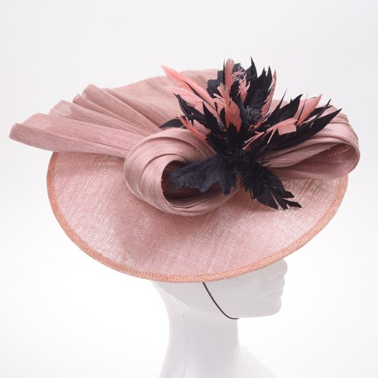 Chapeau plume de soie